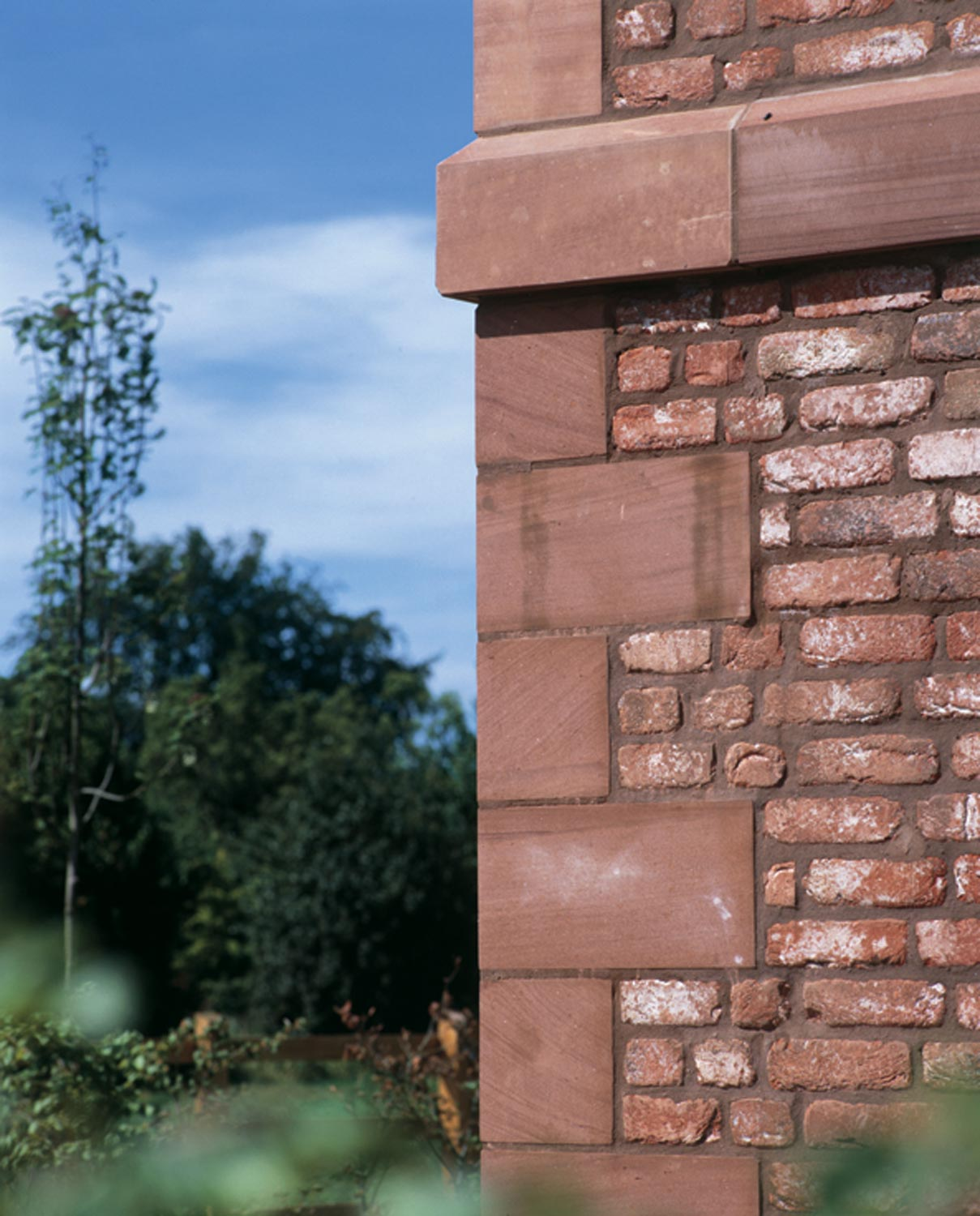 red quoin stone and brickwork