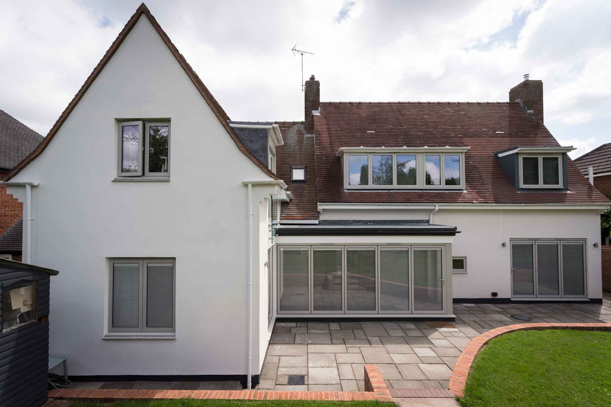 gable end white render k-rend